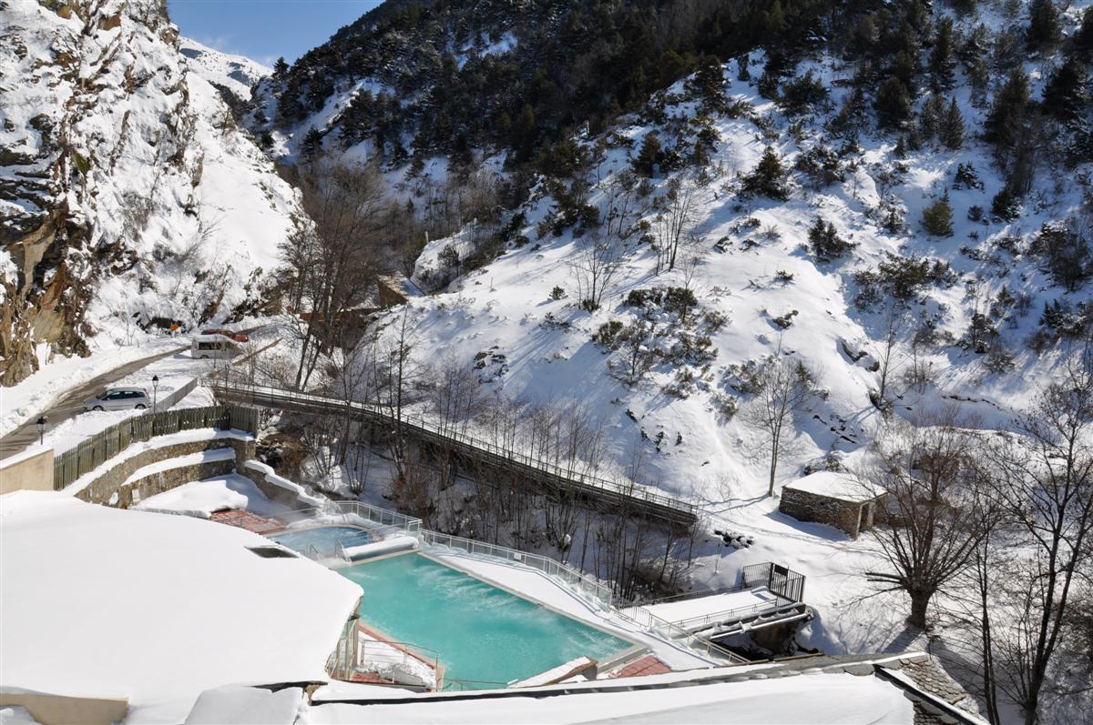 Bains chauds sulfureux for Les bains de