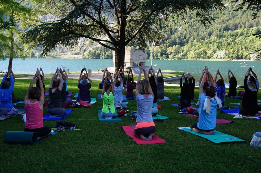 Instants zen - Yoga au bord du lac