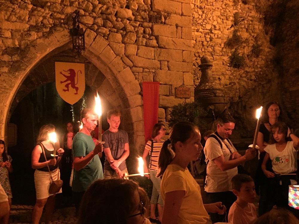 Visite aux flambeaux à Montbrun-les-Bains