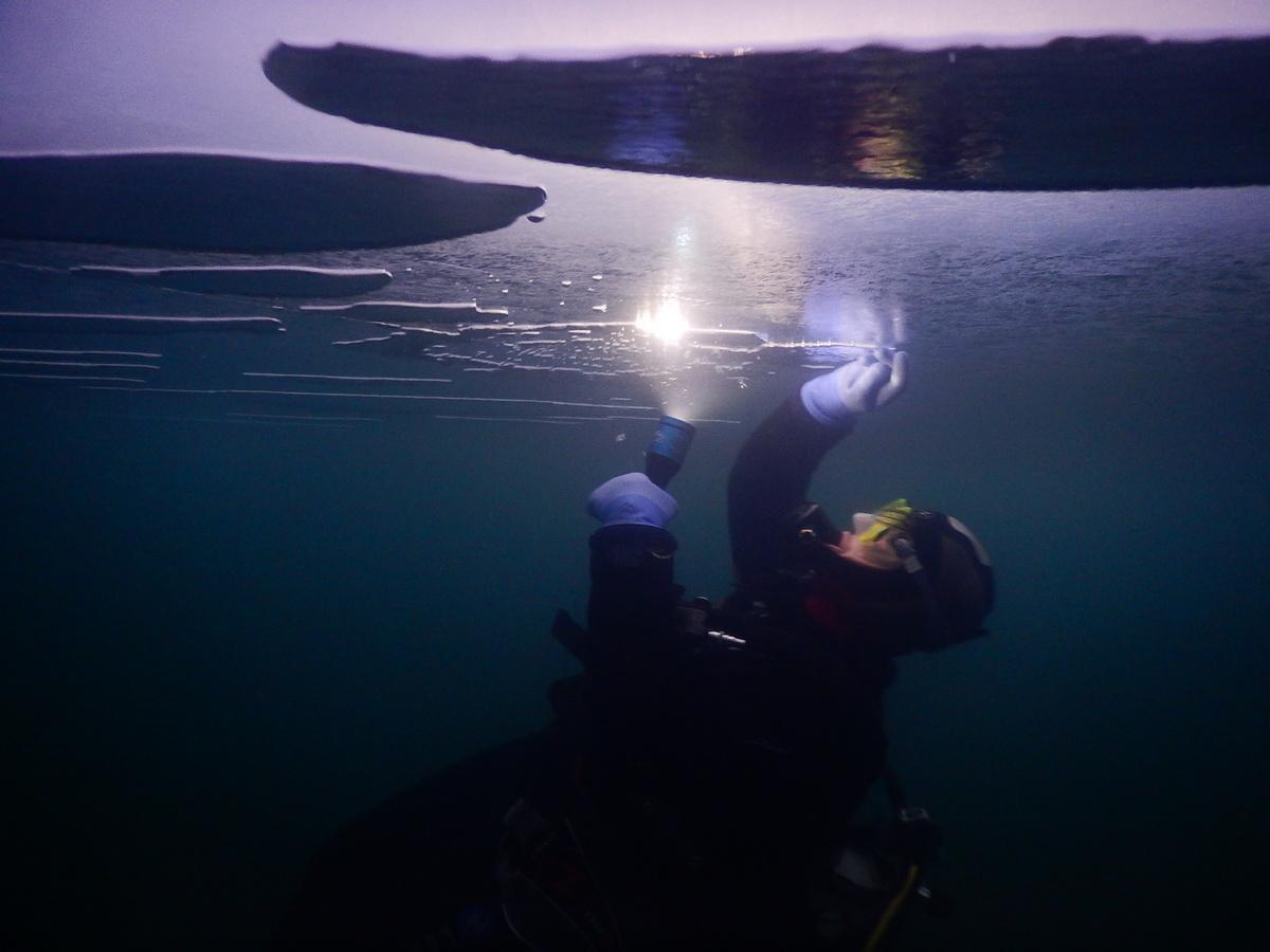 Baptême plongée sous glace de nuit VAL-CENIS