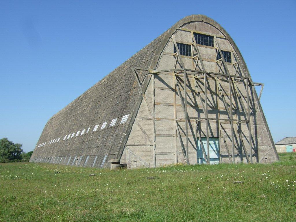 Visite du Hangar Dirigeables d'Ecausseville - Unique en Europe