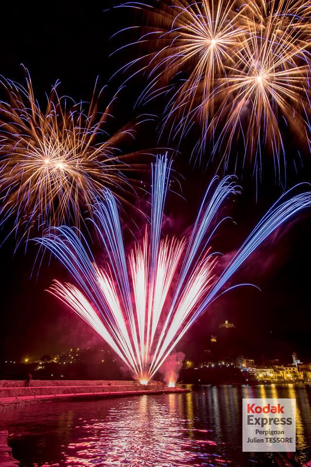 Feu d'artifice de Collioure vu de la mer